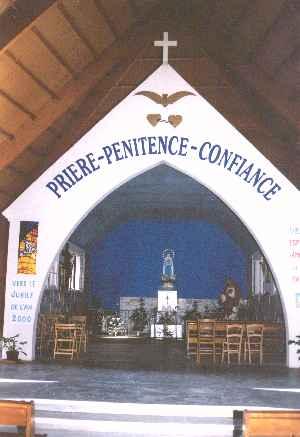 Le petit oratoire à l'intérieur du grand